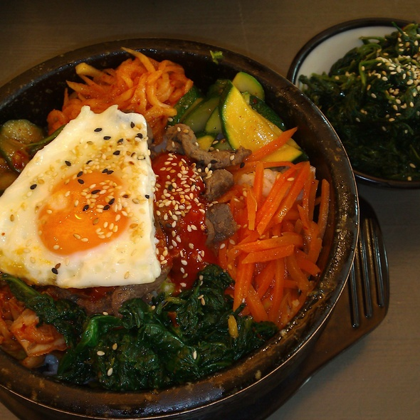 Bibimbap and spinach salad @ YamYam Korean Cuisine