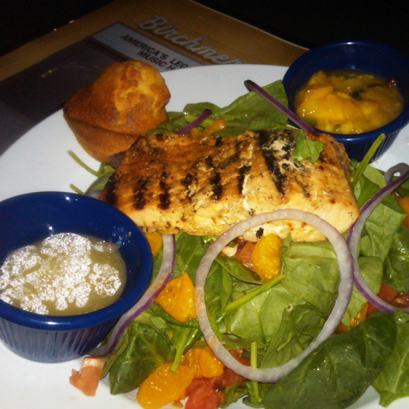 Salmon and spinach @ The Birchmere