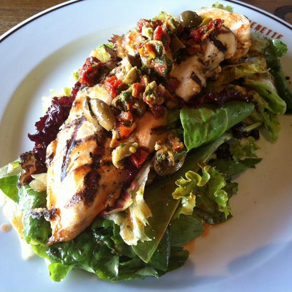 İzgara Tavuklu Salata @ Kitchenette