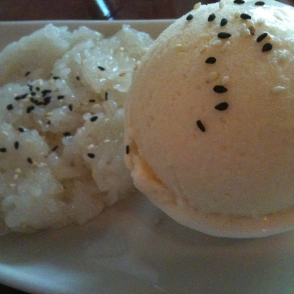 Coconut Sticky Rice With Ice Cream @ Luscious Thai