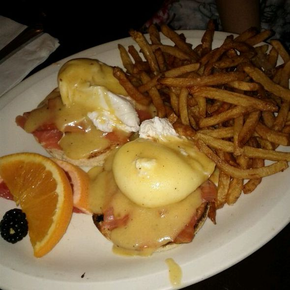 Eggs Benedict - The Rosedale Diner, Toronto, ON