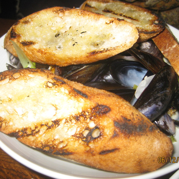 Steamed Mussels @ The Bedford