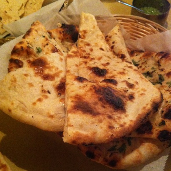 i so love naan. garlic and plain seen here