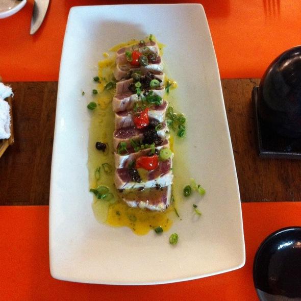 Atum Selado Com Molho Citrico , Azeite E Alho @ Nori Cozinha Oriental