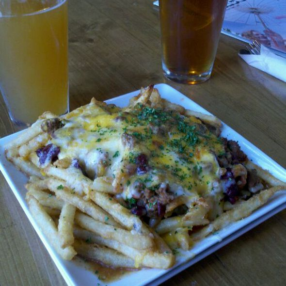 Chilli Cheese Fries @ slo brewing co.