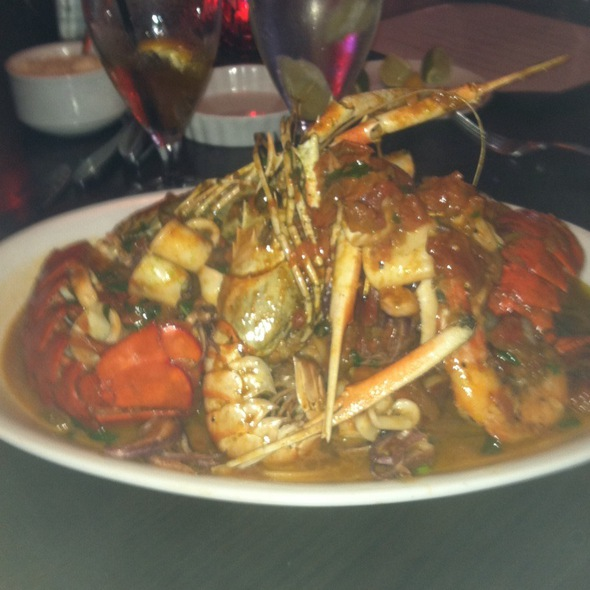 Linguine With Lobster, Calamari, Langoustinos, And Head-On Prawns @ Pazzo LLC