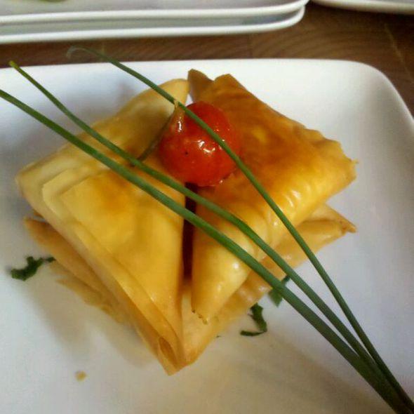Pitakia Kaisarias @ Pylos Restaurant