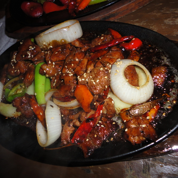 Sizzling Beef @ Central Bar and Grill
