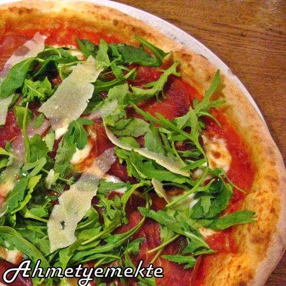 Pizza Fantasia @ Pizzeria Ristorante Giovanni