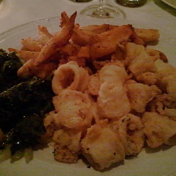 Fried Calamari @ Restaurant Mythos Ouzeri Estiatorio