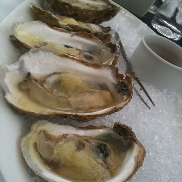Peconic Bay Oysters - The Jamesport Manor Inn, Riverhead, NY