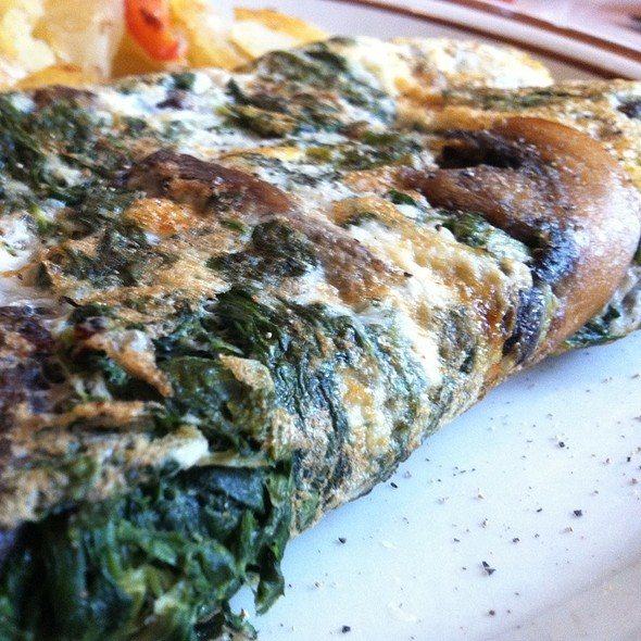 Spinach And Mushroom Egg White Omlette @ West Village Diner