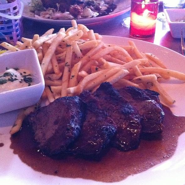 Skirt Steak @ Chez Papa Bistrot