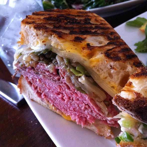 Roast Beef Sandwich @ Darwin Cafe