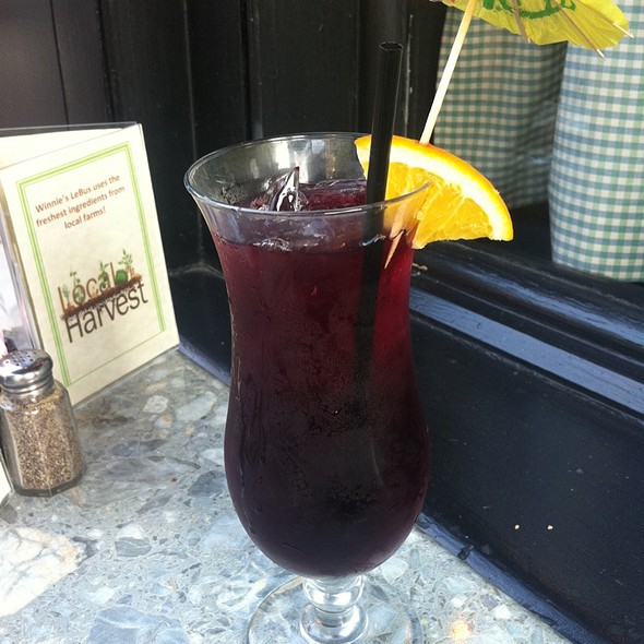 Red Sangria @ Winnie's Le Bus