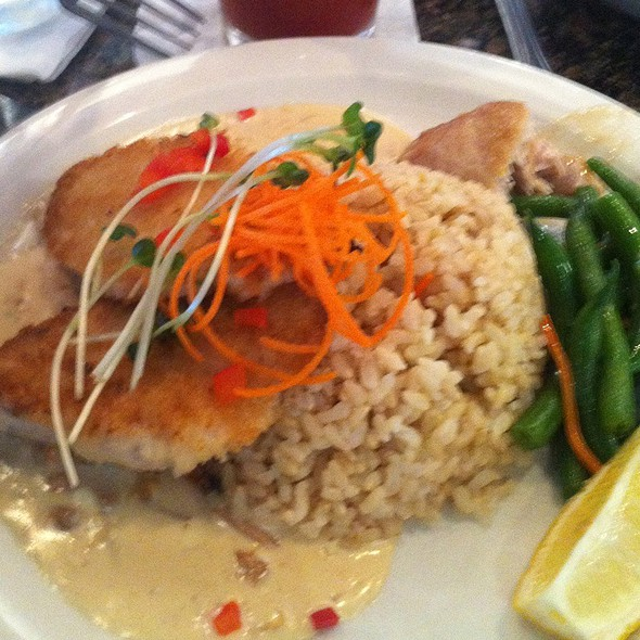 Parmesan Crusted Mahi Mahi @ Uncle's Fishmarket & Grill