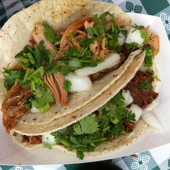 Pulled Pork & Braised Beef Tacos @ Smorgasburg