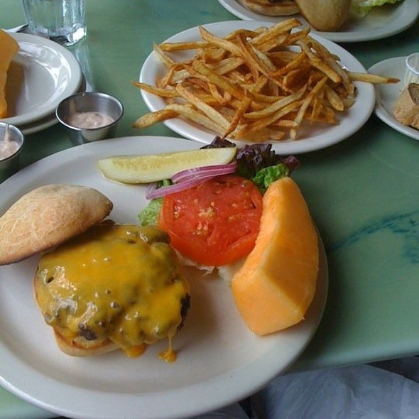 Steak Burger With Cheese & Fries