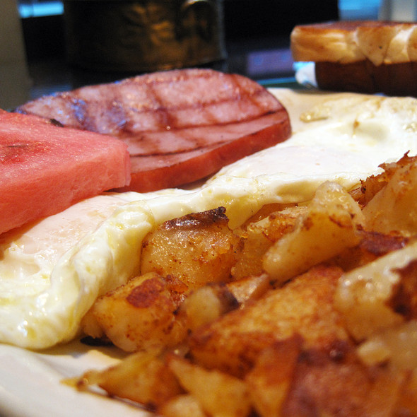Breakfast Special @ Ronny's Original Chicago Steakhouse