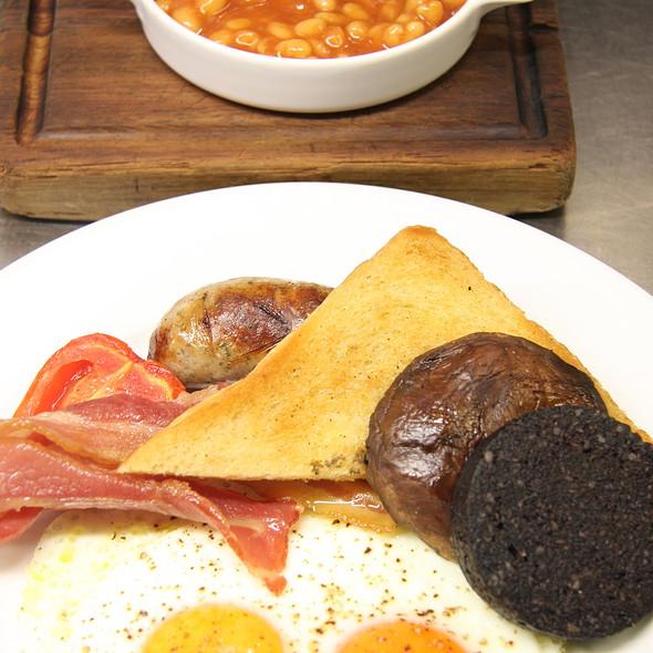 Full English Breakfast - Tom's Kitchen - Chelsea, London