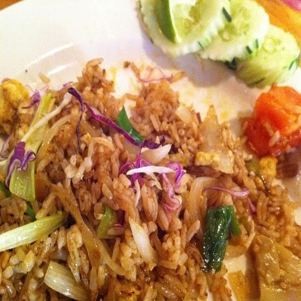 Vegetable Fried Rice With Tofu @ Sen Yai Sen Lek Thai