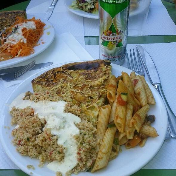 Vegetarian Pie with Salad @ L'épicerie verte