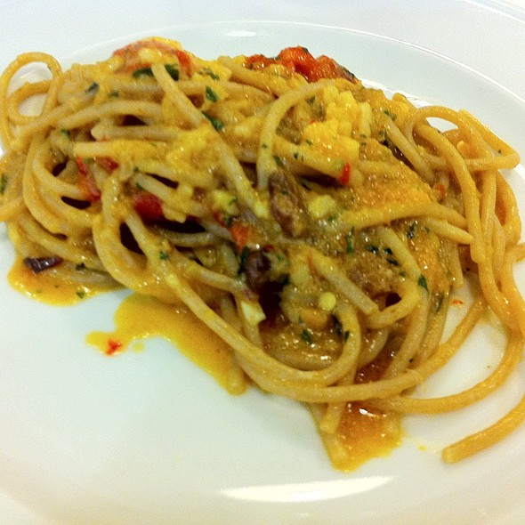 Spaghetti Con Baccala', Uvetta E Peperoni Arrostiti @ Ekk Ristorante Cantina Santangelo