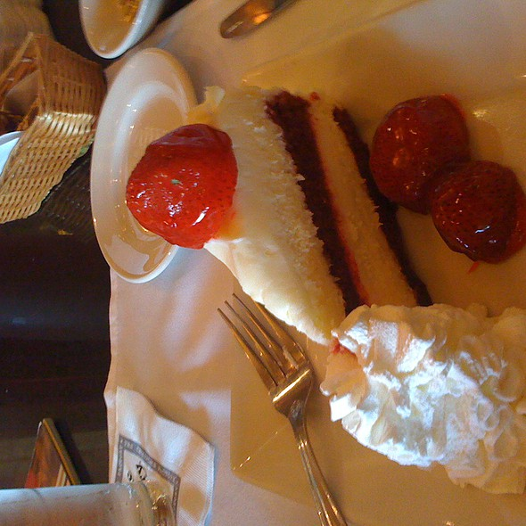 Red Velvet Cheesecake @ Cheesecake Factory