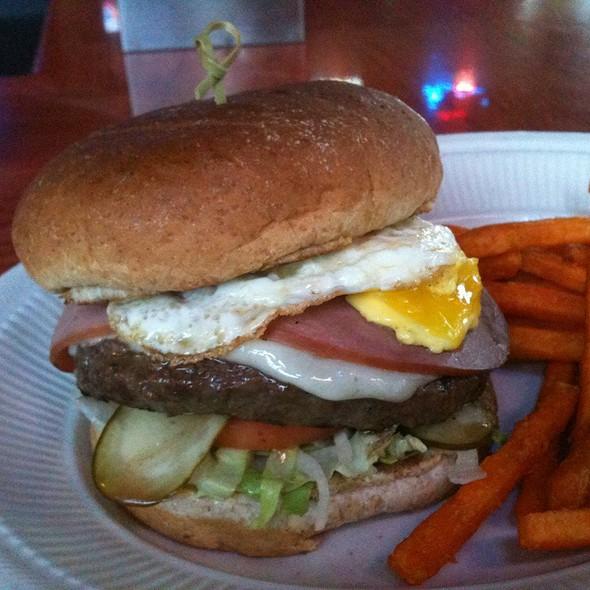 Jack's Southern Style Burger @ Jack's Pub