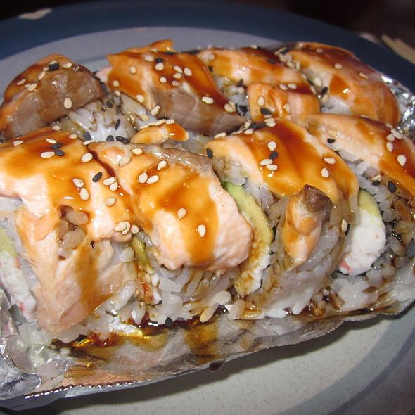Baked Salmon Roll @ Sushi Yun