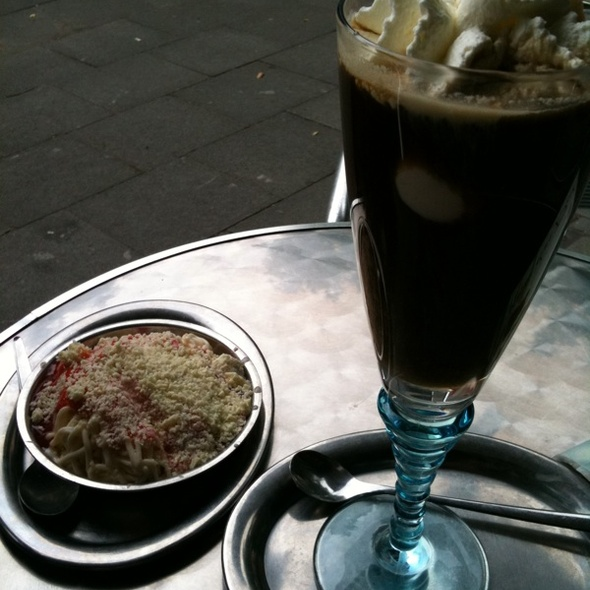 Spaghettieis und Eiscafé @ Eiscafe van der Put GmbH