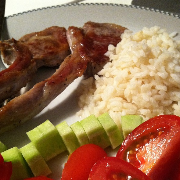 Kosher Baby Lamb Chops, Rice And Fresh Cucumber And Tomato @ 25 Central Park West