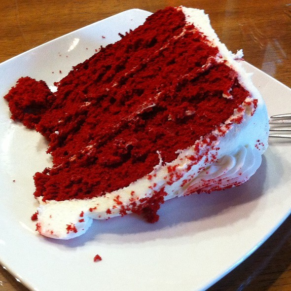 Red Velvet Cake @ Dino's 24 Karrot Cake Cafe