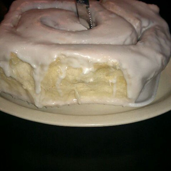 3Lb Cinnamon Roll @ Lulu's Bakery & Cafe