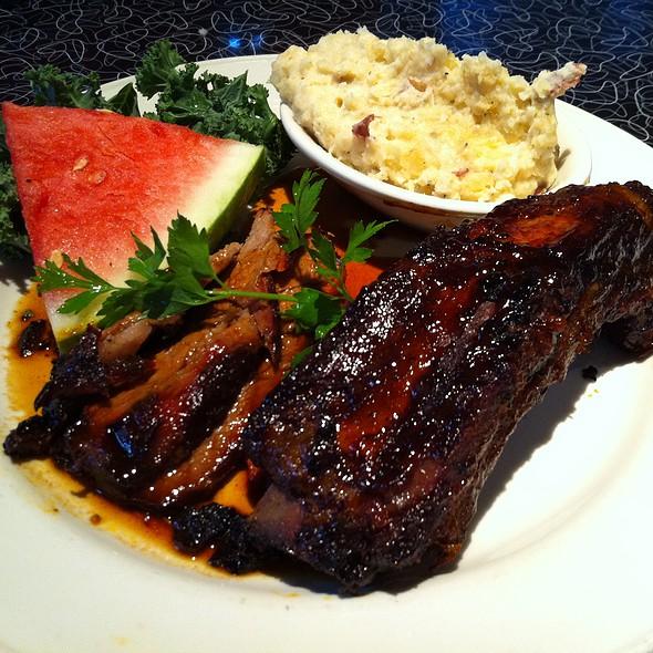 Beef Ribs & Tri Tip @ Lucille's Smokehouse Bar-B-Que