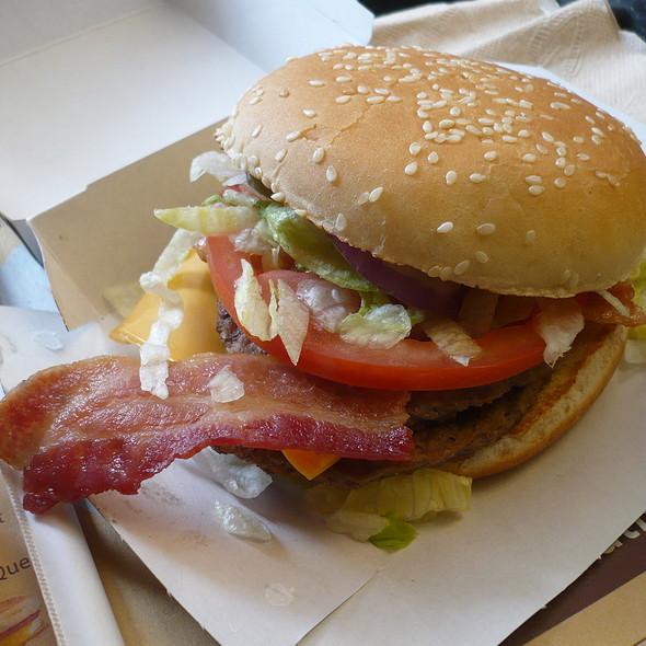 McDonald's Burger @ McDonald's