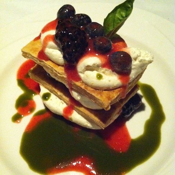 Oregon Berries & Cream - Portland City Grill, Portland, OR