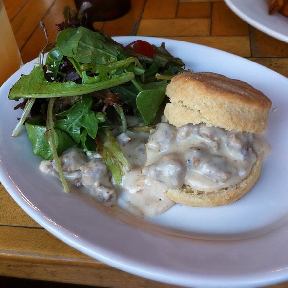 biscuit with sausage gravy