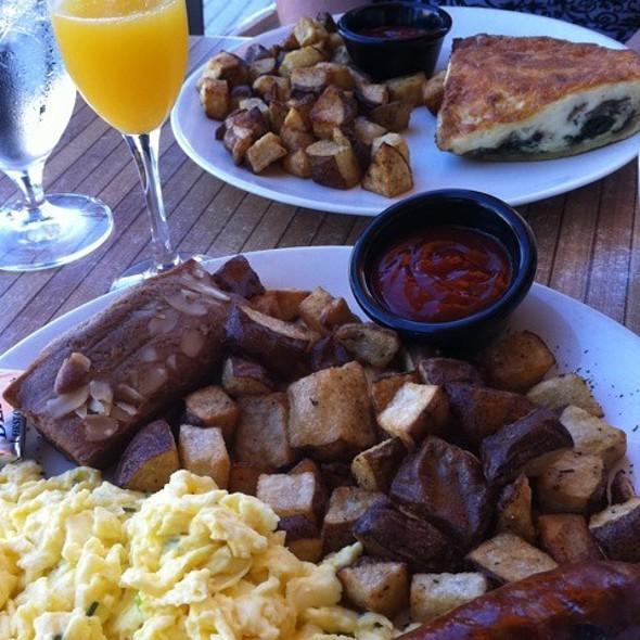 Spinach & Mushroom Quiche And 2-Egg Breakfast With Churizo - Panolivo, Paso Robles, CA