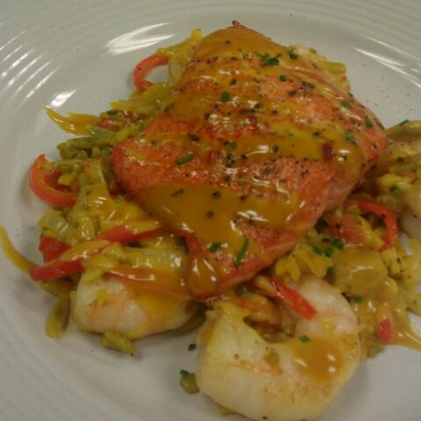 Pan-seared sockeye salmon with shrimp paella  @ Pan-seared sockeye salmon with shrimp paella