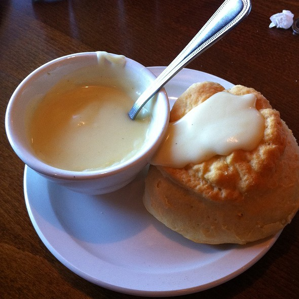 Biscuits and Gravy @ Kelley's Country Cookin'