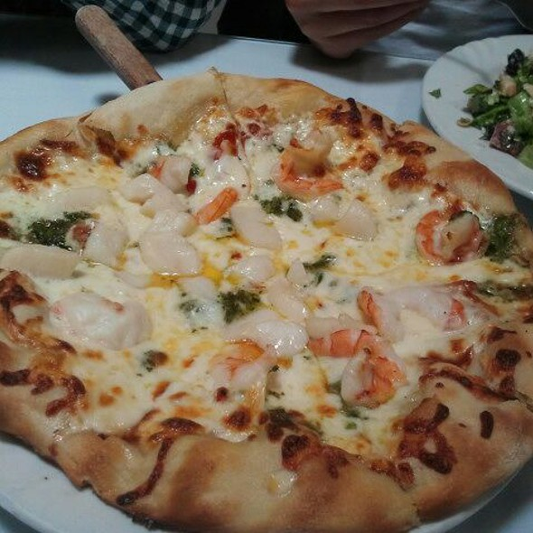 Aragosta Lobster Pizza @ 17th Street Cafe and bakery restaurant