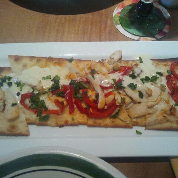 Holly foodspotting for Olive garden chicken flatbread