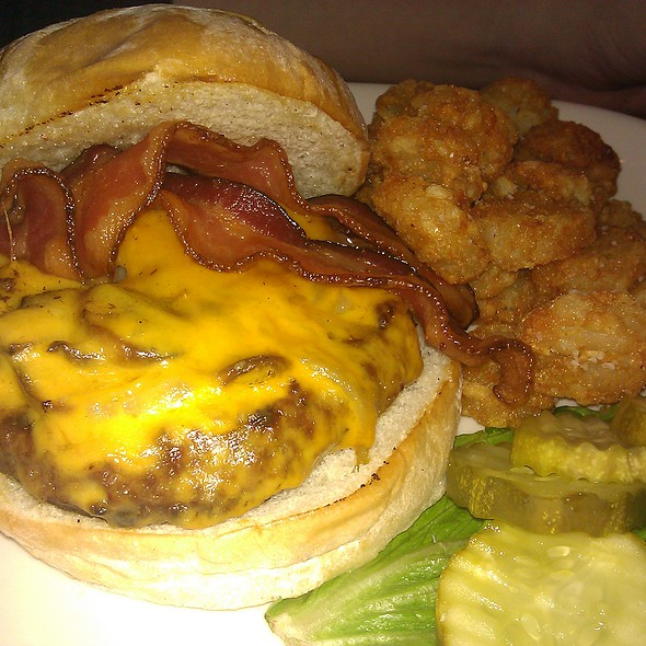 Edinburger - Girvan Grille, Brooklyn Park, MN