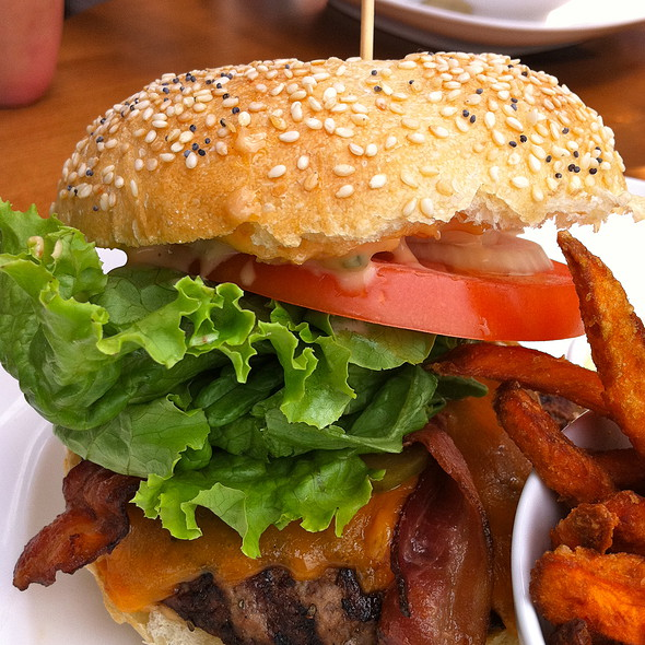 Bacon Cheeseburger @ Joey Don Mills Grill