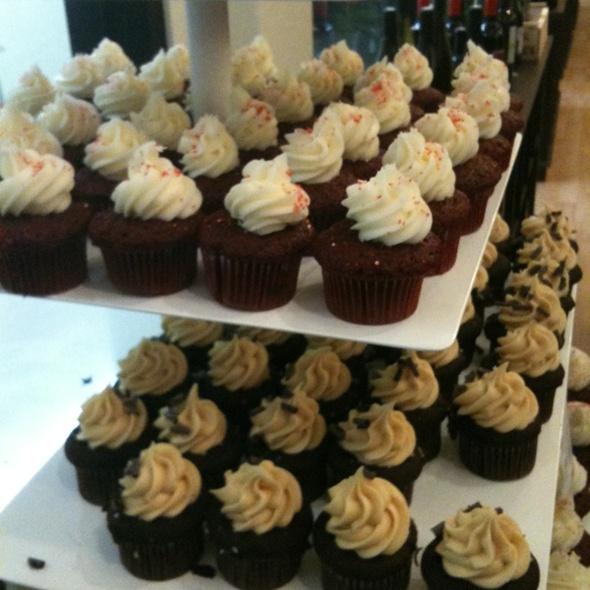 Cupcakes @ Cupcake Royale