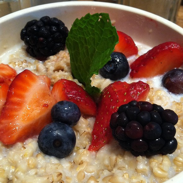 Steel Cut Oatmeal @ Le Pan Quotidiene