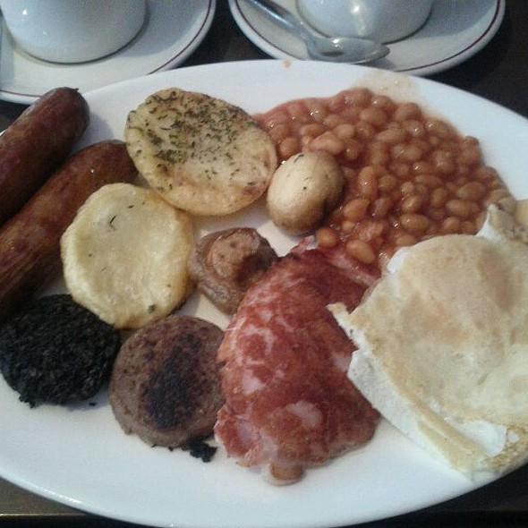 Full Irish Breakfast @ Kingfisher