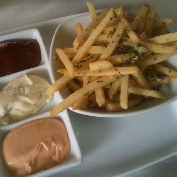 Duck Fat Pommes Frites - Harvest Kitchen & Lounge, Solon, OH