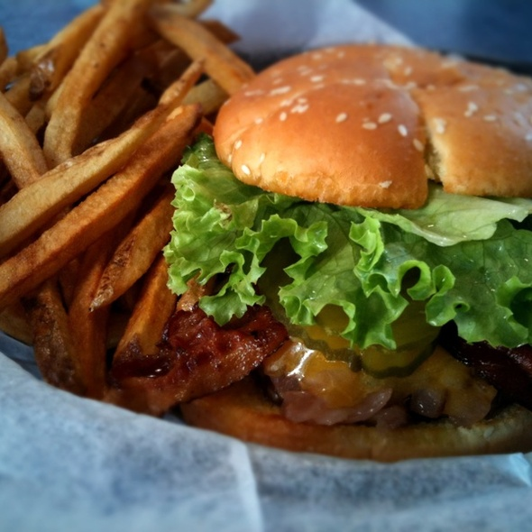 Smokehouse Bacon Burger @ Fergies Frozen Custard